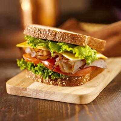DFR-NGMO-herbed-roasted-pre-sliced-deli-turkey-lifestyle