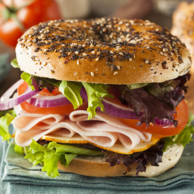 DFR-NGMO-oven-roasted-pre-sliced-deli-turkey-lifestyle