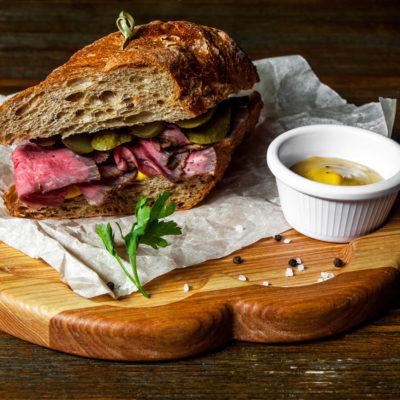 DFR-NGMO-pre-sliced-roast-beef-lifestyle