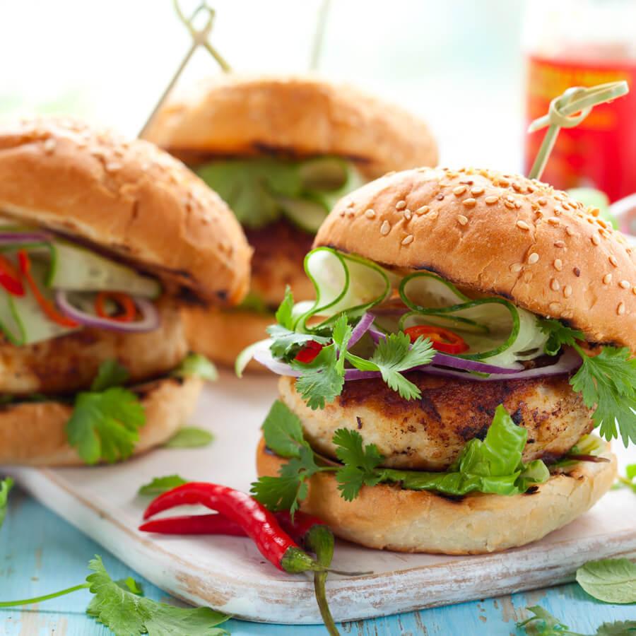 DFR-quarter-pound-fresh-turkey-burger-lifestyle