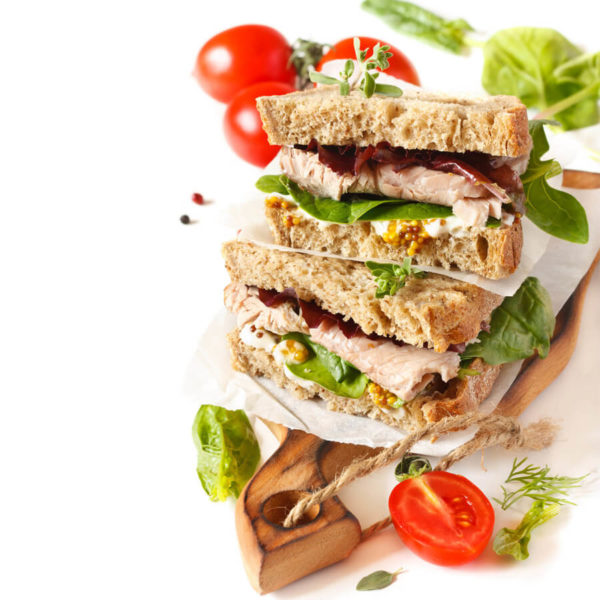 DFR-organic-fresh-roasted-pre-sliced-deli-turkey-lifestyle